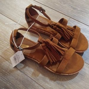 NWT Mossimo Brown suedelike sandals